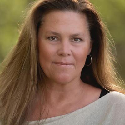 LOCAL>> Laura Munson – Willa's Grove